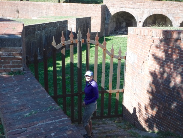 L along Lucca wall