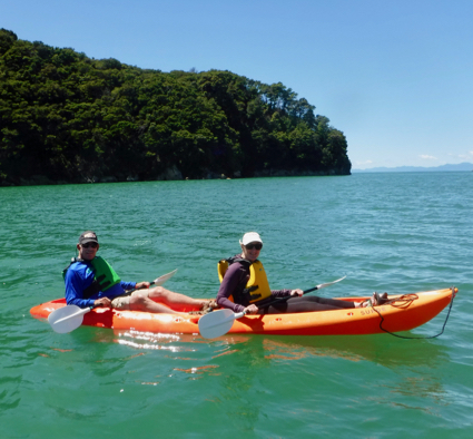 l-and-d-kayaking-in-tasman-sea-1