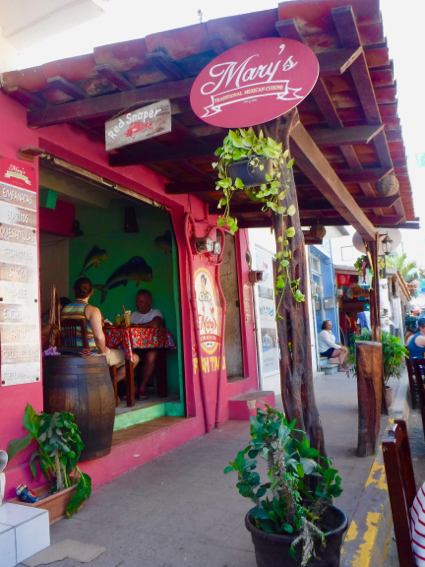 marys-restaurant-in-sayulita-1