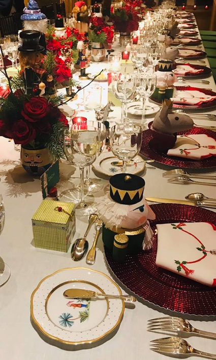 xmas table by Julie - 1